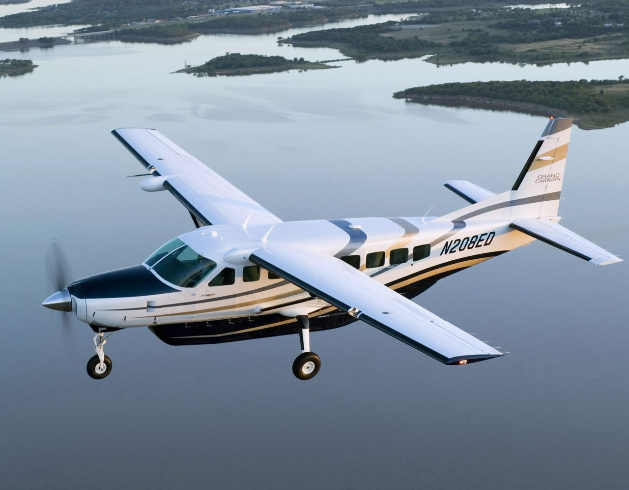 types of helicopters with Cessna 208 Grand Caravan on Cessna 208 Grand Caravan also Bell Helicopter Showcase Breadth Product Offerings Singapore Airshow besides File Chinook airlifting an F 15 likewise World In Conflict Pc Download in addition Luxurious Helicopters.