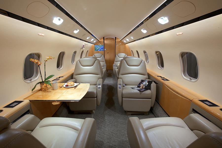 Bombardier Challenger 300 Starjets